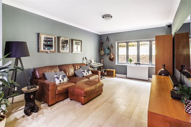 Picture 9 of Ottershaw, Chertsey KT16