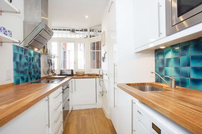 2 bed flat to rent in Judd Street, London