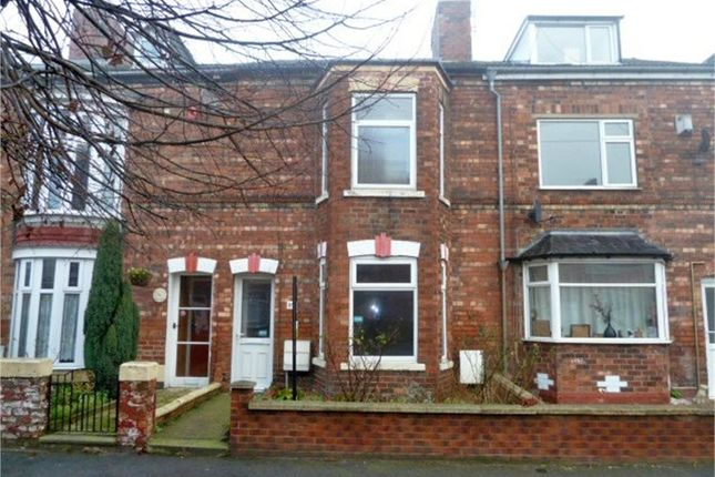 Thumbnail Terraced house for sale in Lea Road, Gainsborough, Lincolnshire