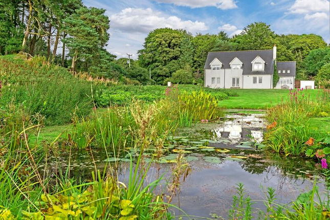 Thumbnail Country house for sale in Howgate, Penicuik