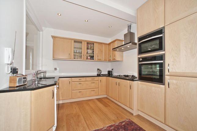 Thumbnail Property to rent in Gregory Place, London