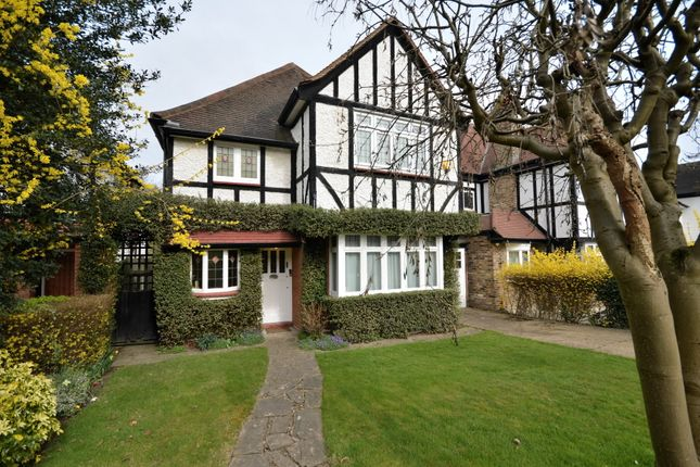 Thumbnail Detached house for sale in Meadway, Southgate