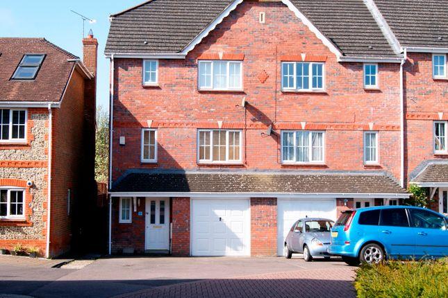 Thumbnail Town house to rent in Bronze Close, Beggarwood, Basingstoke