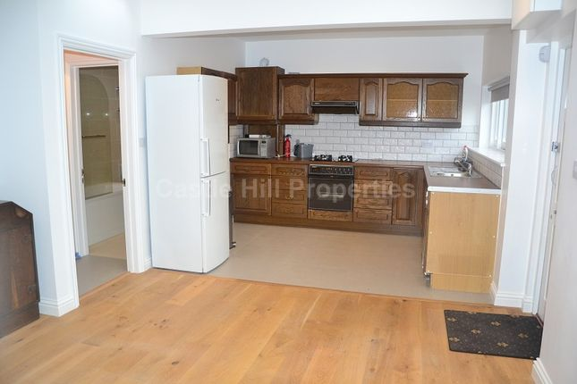 Thumbnail Maisonette to rent in Glenfield Road, West Ealing, Greater London.
