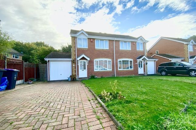 3 bed property to rent in Haycocks Close, Dothill, Telford TF1