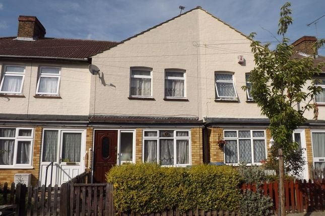 3 bed terraced house to rent in Albany Road, Enfield, Middlesex