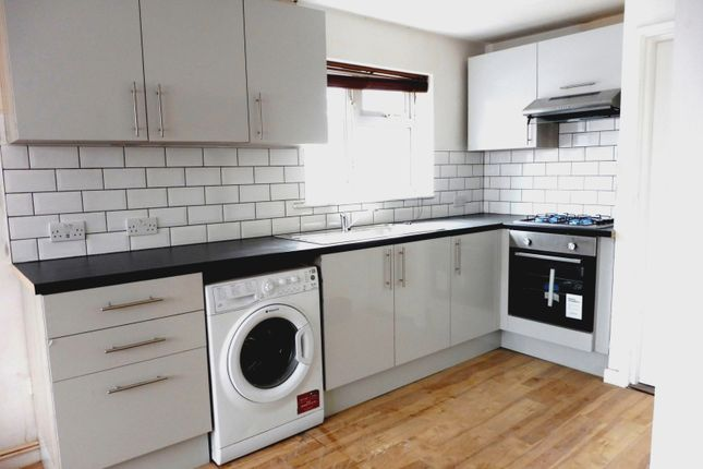 Thumbnail Flat to rent in Clive Road, Portsmouth