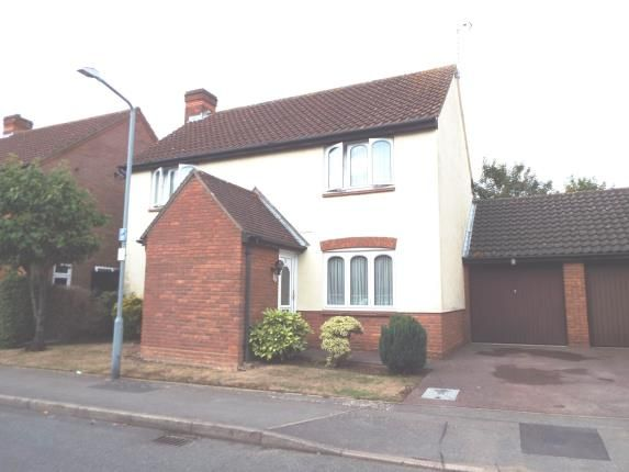 Thumbnail Detached house for sale in Clayhall, Essex