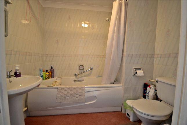 Bathroom of Marlborough House, Northcourt Avenue, Reading RG2