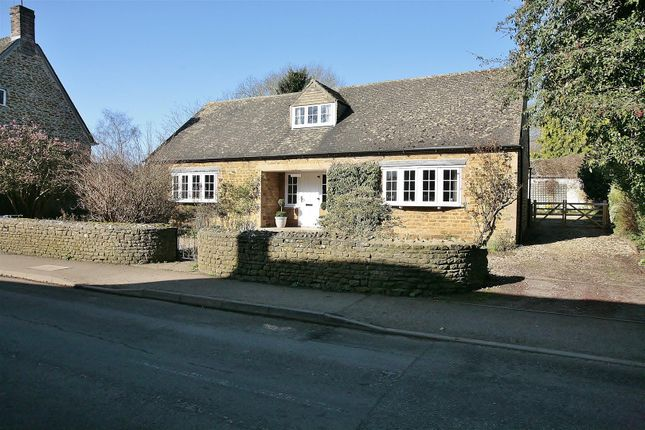 Thumbnail Property for sale in The Old Wood Yard, Rope Way, Hook Norton, Banbury