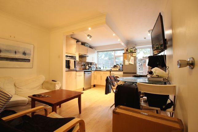 Thumbnail Town house to rent in Codling Close, London