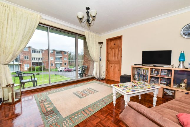 Thumbnail Flat to rent in Wiltshire Close, Taunton