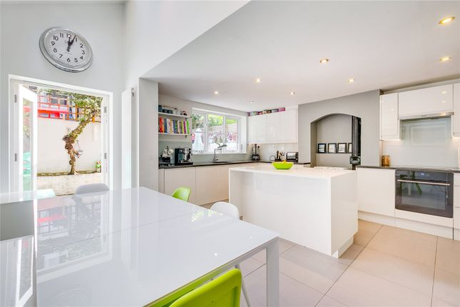 Thumbnail Terraced house to rent in Limburg Road, London