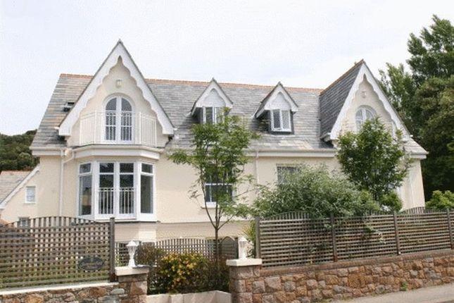 Thumbnail Flat to rent in La Route De La Baie, St. Brelade, Jersey
