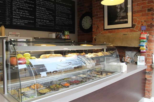 Thumbnail Restaurant/cafe for sale in Cafe & Sandwich Bars BD18, West Yorkshire