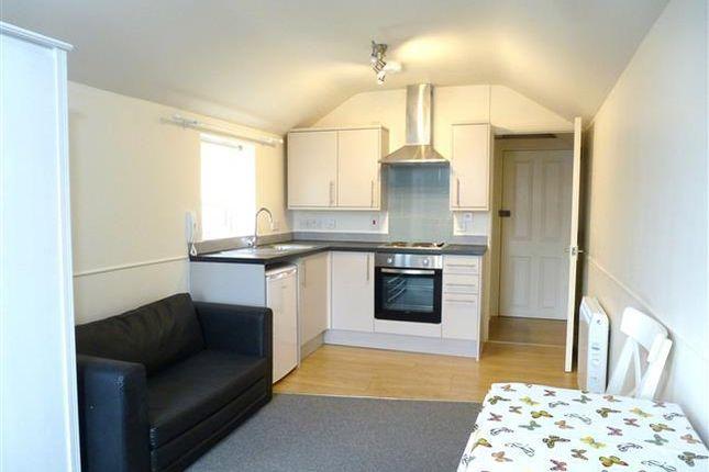 Studio to rent in Queen Street, Taunton TA1