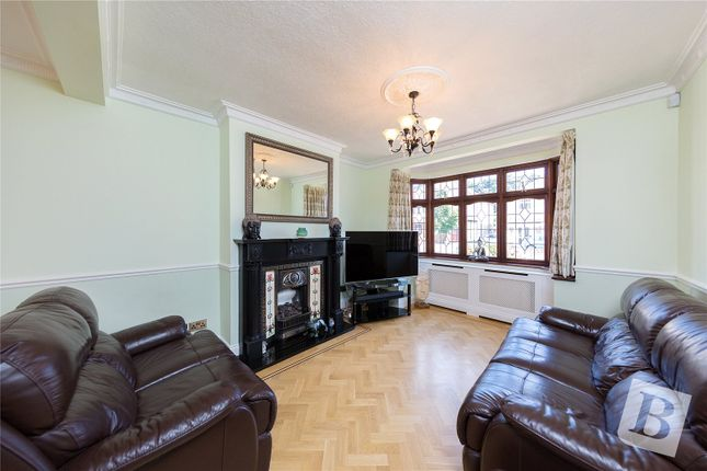 Picture No. 08 of Fleet Close, Upminster RM14