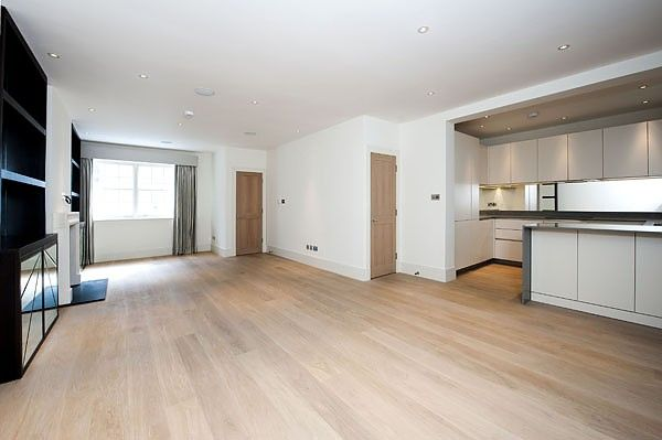 Terraced house to rent in Clabon Mews, London