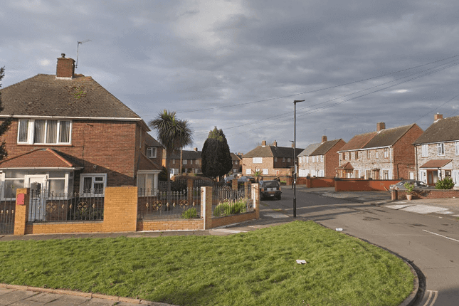 Thumbnail Semi-detached bungalow to rent in Ringway, Southall