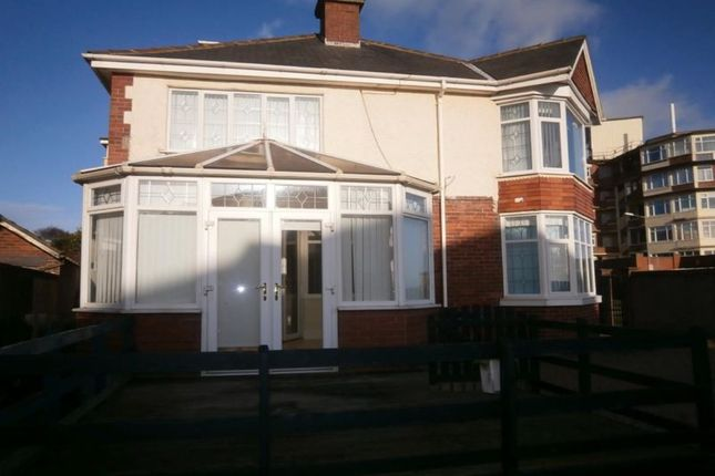 Thumbnail Flat to rent in Third Avenue, Bridlington