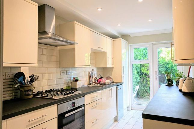 Thumbnail Property to rent in St. Aubyns Court, Poole
