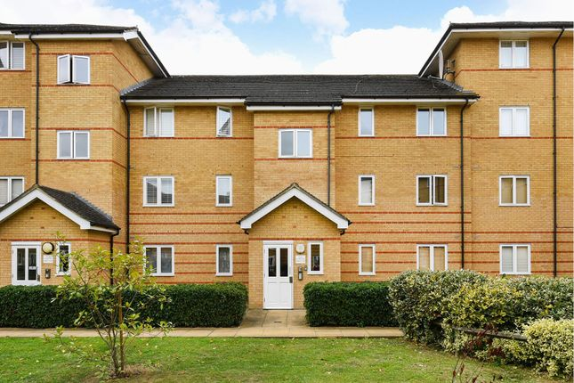 Thumbnail Flat for sale in Stanley Close, Eltham
