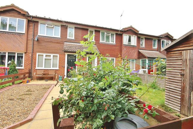 1 bed terraced house to rent in Camilla Close, Sunbury On Thames, UK TW16