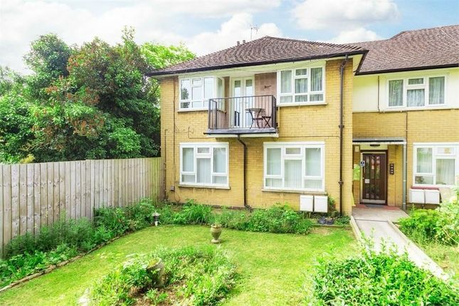 Thumbnail Flat to rent in Wild Green South, Langley, Berkshire