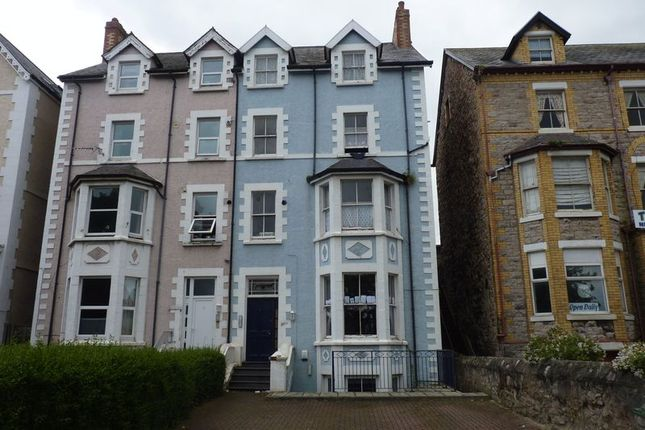 Thumbnail Flat to rent in Bay View Road, Colwyn Bay