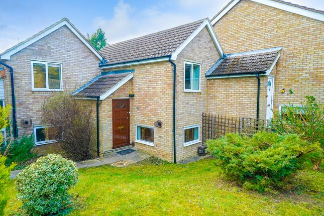 Thumbnail Terraced house to rent in Shaftesbury Way, Royston, Hertfordshire