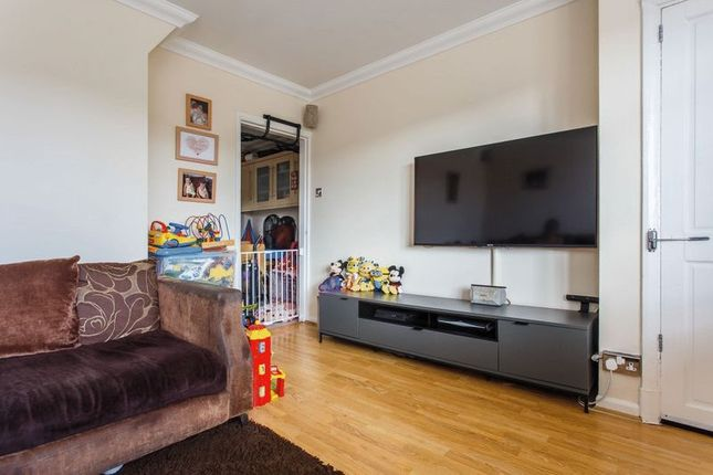 Living Room of Saunders Park View, Brighton BN2