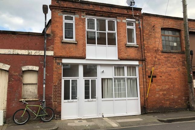 Thumbnail Flat to rent in Friarn Lawn, Bridgwater