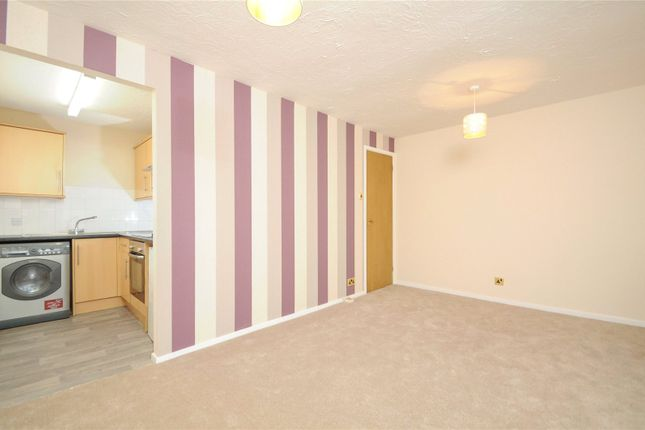 Picture No. 18 of Rabournmead Drive, Northolt, Middlesex UB5
