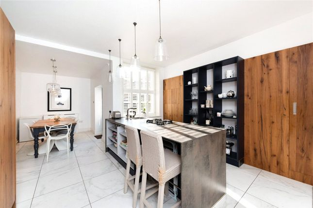Thumbnail Terraced house to rent in White Friars, Chester