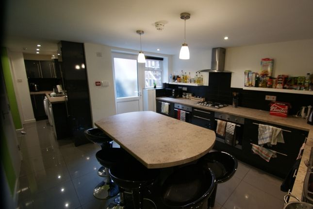 Thumbnail Terraced house to rent in Manor Drive, Headingley, Leeds