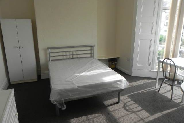 Thumbnail Property to rent in King Edwards Road, Brynmill, Swansea