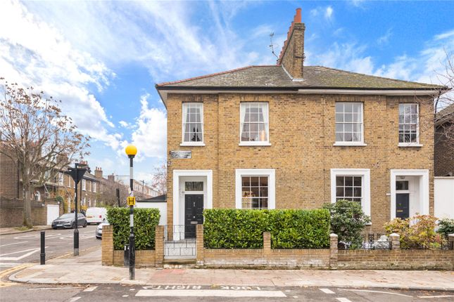 Thumbnail Terraced house for sale in Hemingford Road, Islington, London
