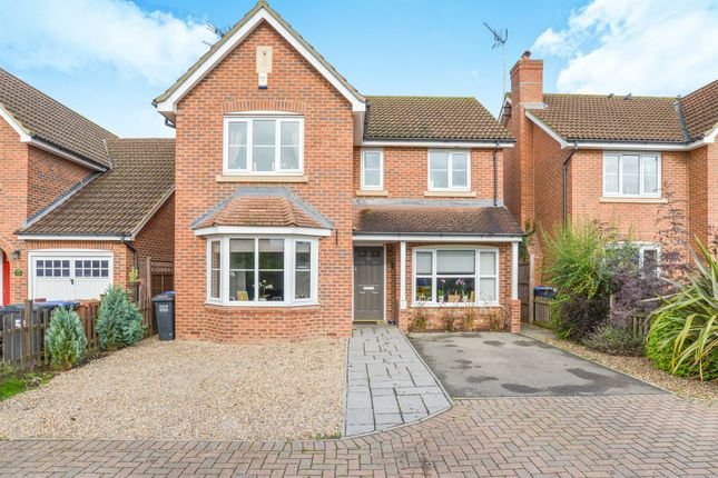 Thumbnail Detached house for sale in Bluebell Way, Hatfield