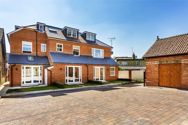 Thumbnail Flat for sale in 27 High Street, Addlestone, Surrey