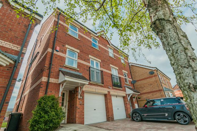 Thumbnail Town house for sale in Rosemary Close, Bessacarr, Doncaster