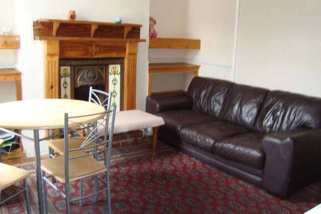 Thumbnail Shared accommodation to rent in Brooklyn Terrace, Worthing Street, Hull, Yorkshire