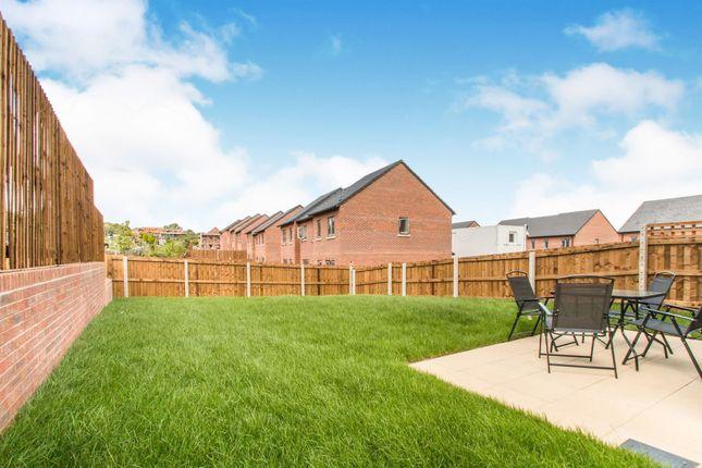 External of Greenview Mount, Leeds LS9