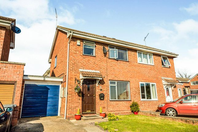 Thumbnail Semi-detached house for sale in Hicks Close, Warwick