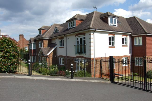 Thumbnail Flat to rent in St Monicas Road, Kingswood, Tadworth