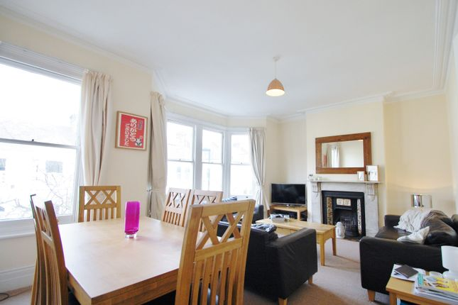 3 bed duplex to rent in Narbonne Avenue, Clapham