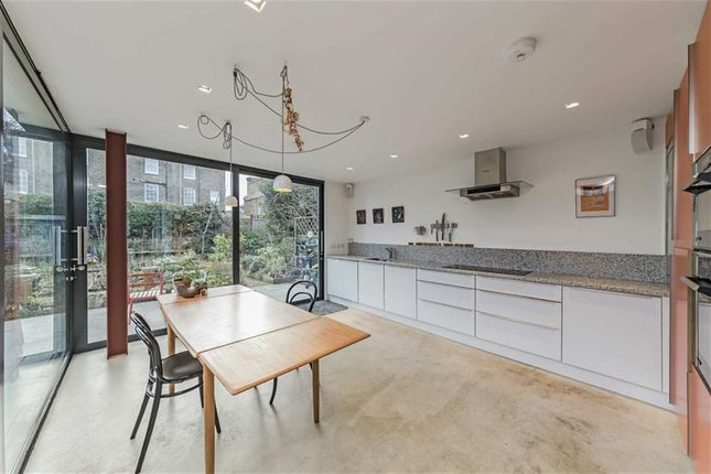 Thumbnail Property to rent in Buckingham Road, London