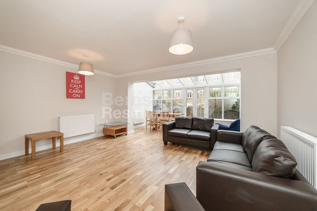 Thumbnail Town house to rent in Dudley Mews, London