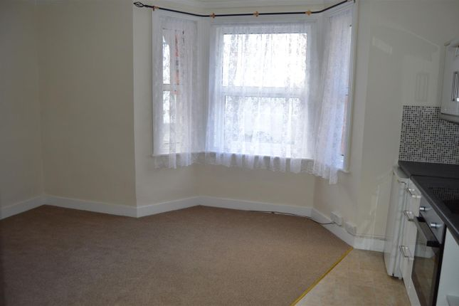 1 bed flat to rent in Thorn Road, Worthing