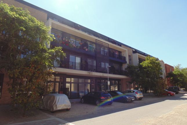 Thumbnail Flat for sale in Kitchener House, Ashmore Road, Shooters Hill, Woolwich