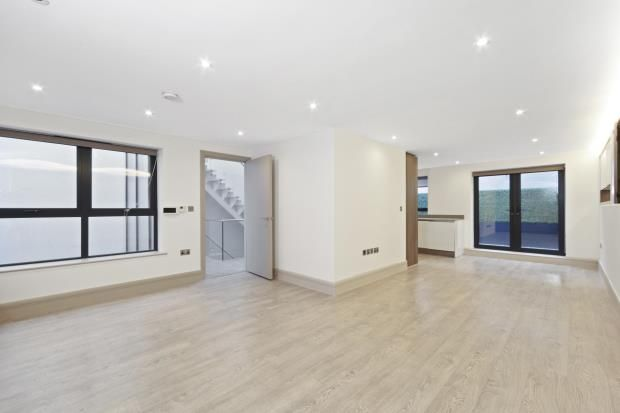 Thumbnail Mews house for sale in Whittlebury Mews East, Camden, London